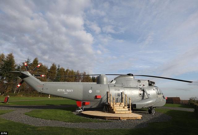 Anh: Mua trực thăng chiến đấu làm nhà ở cho 6 người - 5