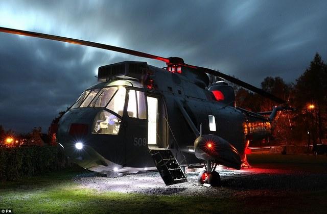 Anh: Mua trực thăng chiến đấu làm nhà ở cho 6 người - 6