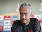 """Bóng đá - Mourinho """"kêu trời"""" vì cầu thủ MU không biết cách thắng"""