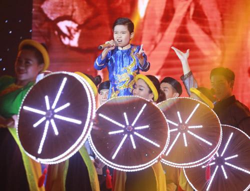 """""""Viên ngọc quý"""" của Đông Nhi đăng quang The Voice Kids 2016 - 3"""