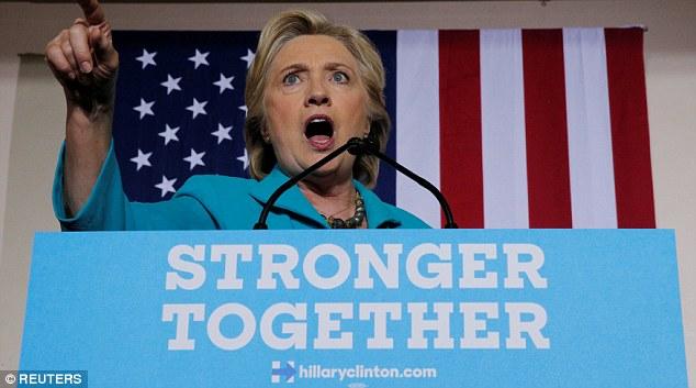 Bị điều tra sát bầu cử, bà Clinton thách Giám đốc FBI - 1
