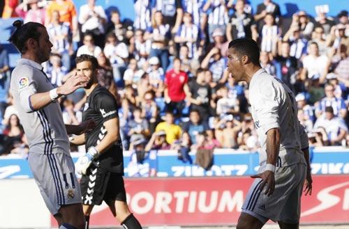 Cán mốc 350 bàn, Ronaldo xứng đáng giành Quả bóng Vàng - 1