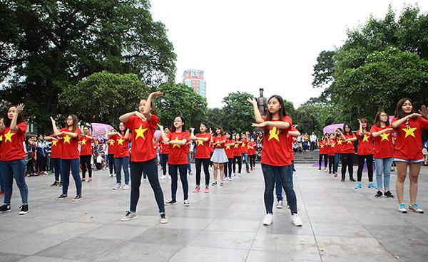 Hàng trăm bạn trẻ Hà Nội cùng nhau nhảy vì sự Tử tế - 5