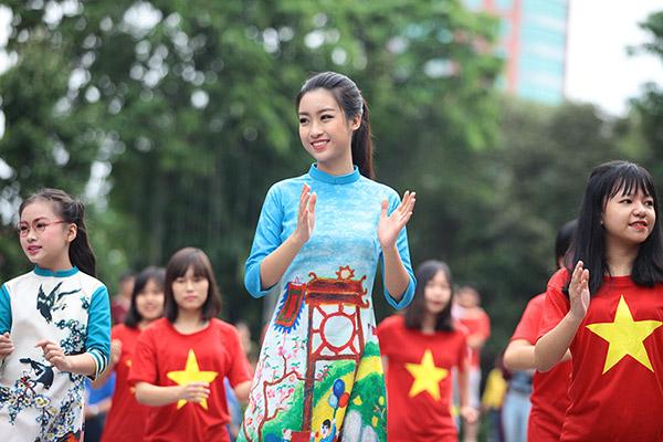 Hàng trăm bạn trẻ Hà Nội cùng nhau nhảy vì sự Tử tế - 8