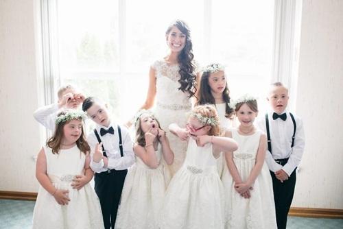 Đám cưới đặc biệt của cô giáo dạy trẻ Down gây xúc động - 1