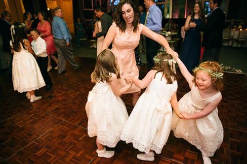 Đám cưới đặc biệt của cô giáo dạy trẻ Down gây xúc động - 9