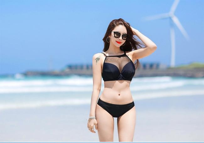 Xuất hiện trong chương trình thực tế EoIJang Sidae, Jo Min Young trẻ trung xinh xắn đã nhanh chóng nhận được sự quan tâm đặc biệt của nhiều người, vì cô không những sở hữu vẻ đẹp hình thể mà còn có một cuộc sống đời tư đầy năng nổ và ngưỡng mộ.