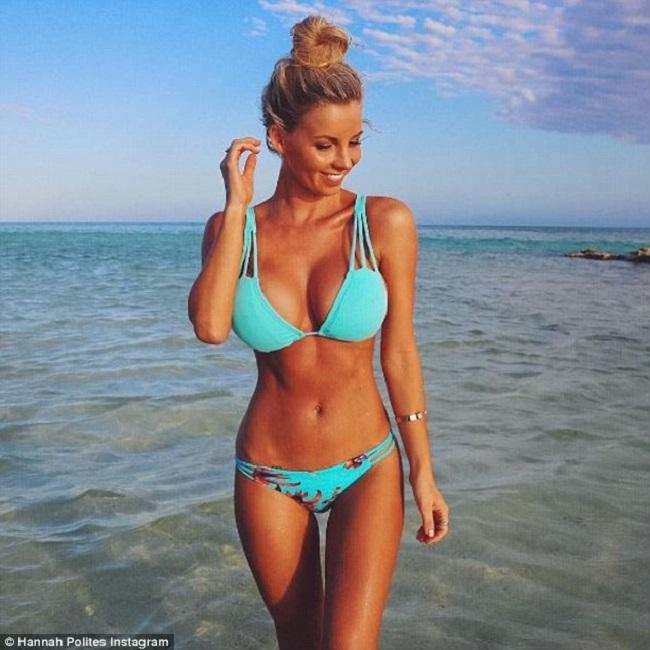 Người đẹp 24 tuổi hân hoan chia sẻ trên Daily Mail rằng, hiện tại cô đã mặc vừa bikini của mình giai đoạn trước mang bầu.