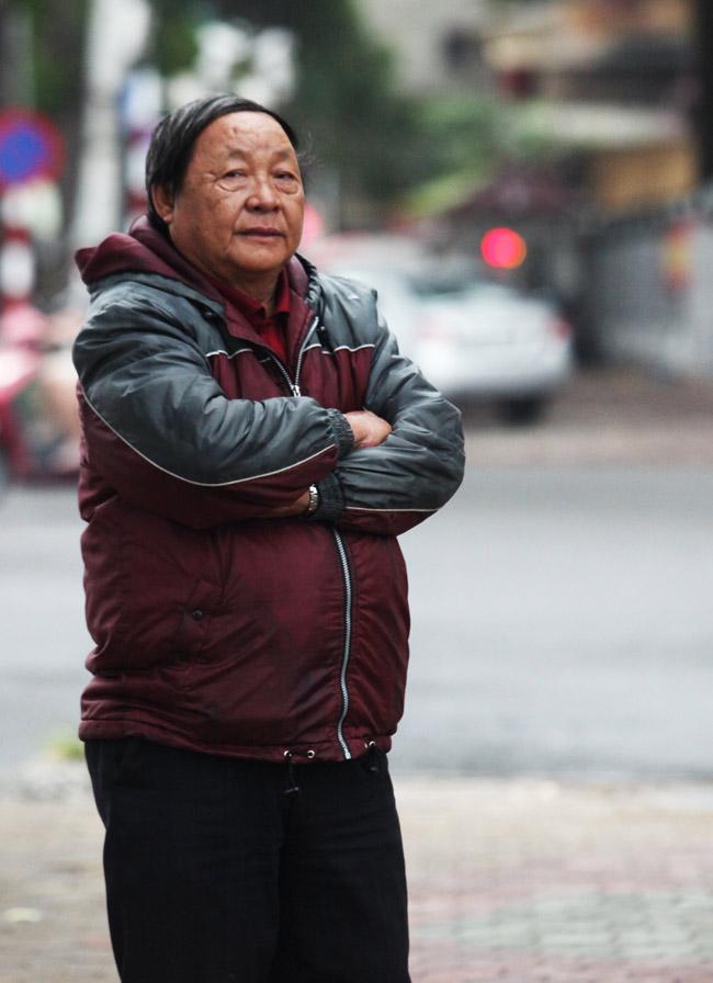 Người Hà Nội phấn khích đón gió lạnh đầu mùa - 4