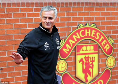 MU – Mourinho 4 trận liền không thắng: Mừng nhiều hơn lo - 2