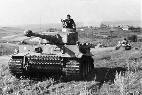Đại chiến xe tăng thảm khốc nhất lịch sử chiến tranh - 2