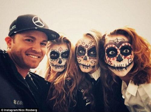 "Ronaldo, Mayweather hóa trang ""cực dị"" mừng Halloween - 7"