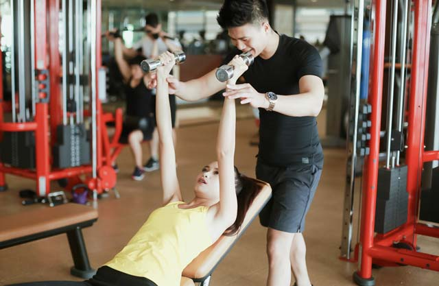 Ngắm Quán quân Next Top Ngọc Châu gợi cảm tập gym - 8