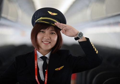 Cô gái Sài thành trở thành nữ phi công trẻ tuổi nhất VN - 1