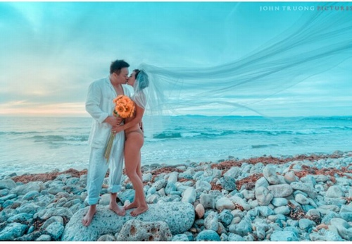 """""""Người tình"""" sexy nhất của Lý Hùng táo bạo mặc bikini chụp ảnh cưới - 2"""