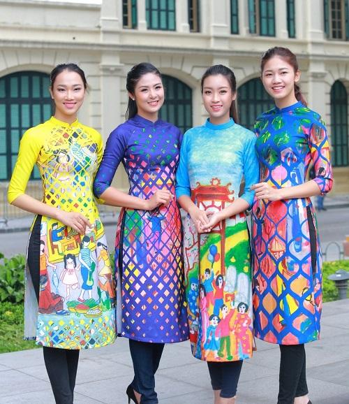HH Ngọc Hân, Mỹ Linh ra phố nhảy flashmob cực sung - 8