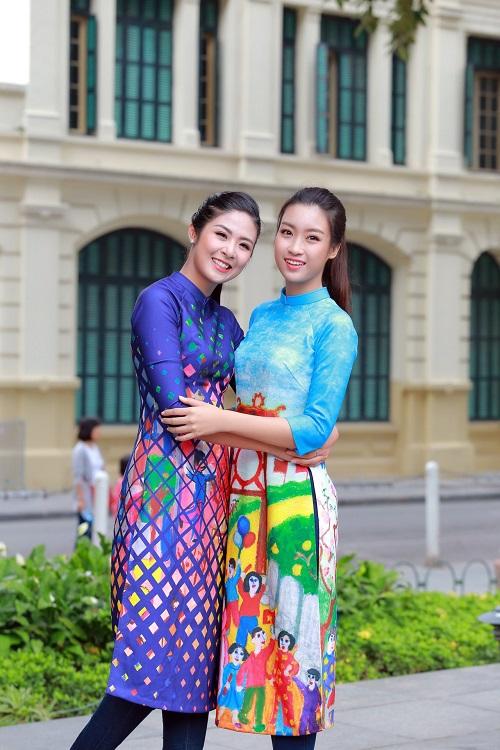 HH Ngọc Hân, Mỹ Linh ra phố nhảy flashmob cực sung - 10
