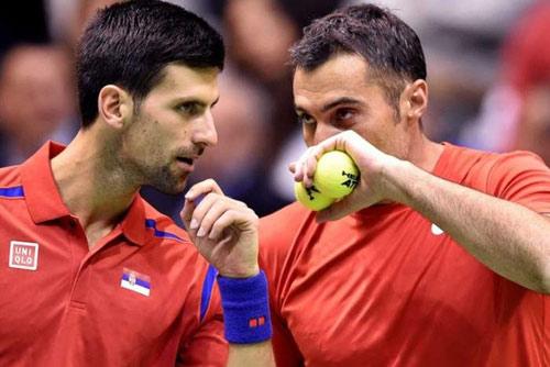"""Paris Masters ngày 1: Djokovic đánh cặp """"ông già"""" U40 - 1"""