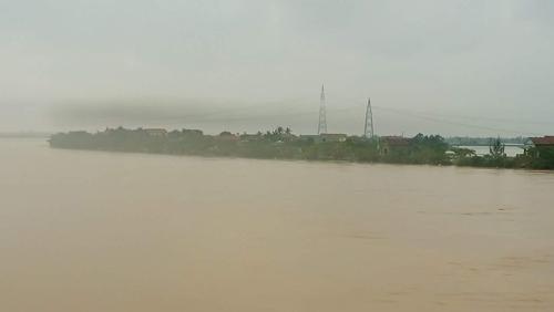 Quảng Bình: Nước sông đột ngột dâng cao, nguy cơ lũ chồng lũ - 1