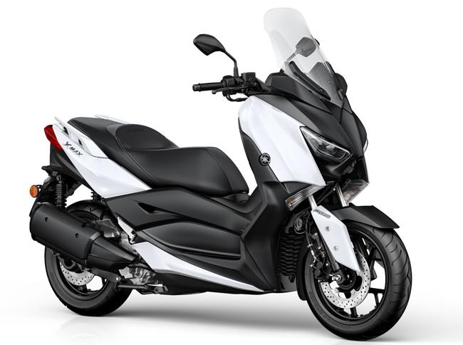 Sau khi thành công với Yamaha X-Max 250, hãng xe Nhật Bản đã tung ra phiên bản mới là Yamaha X-Max 300 2017 dành cho thị trường châu Âu.