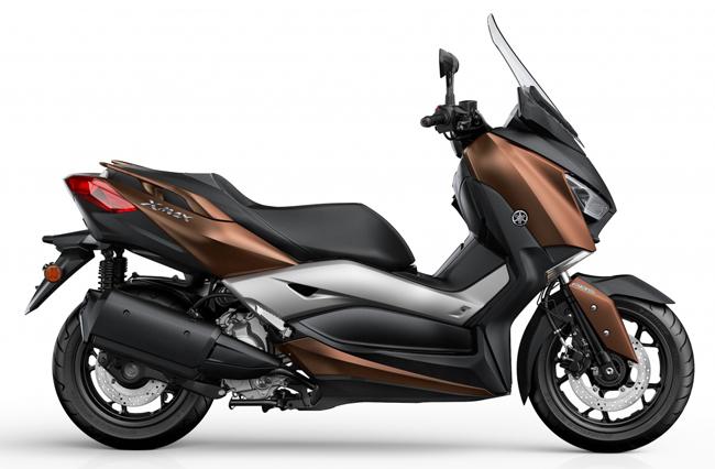 Yamaha X-Max 300 2017 sở hữu thiết kế mạnh mẽ, và hầm hố phù hợp với nam giới