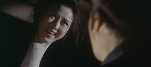 """Kinh hãi với """"thiếu phụ cổ dài"""" nổi tiếng trong phim Nhật - 2"""