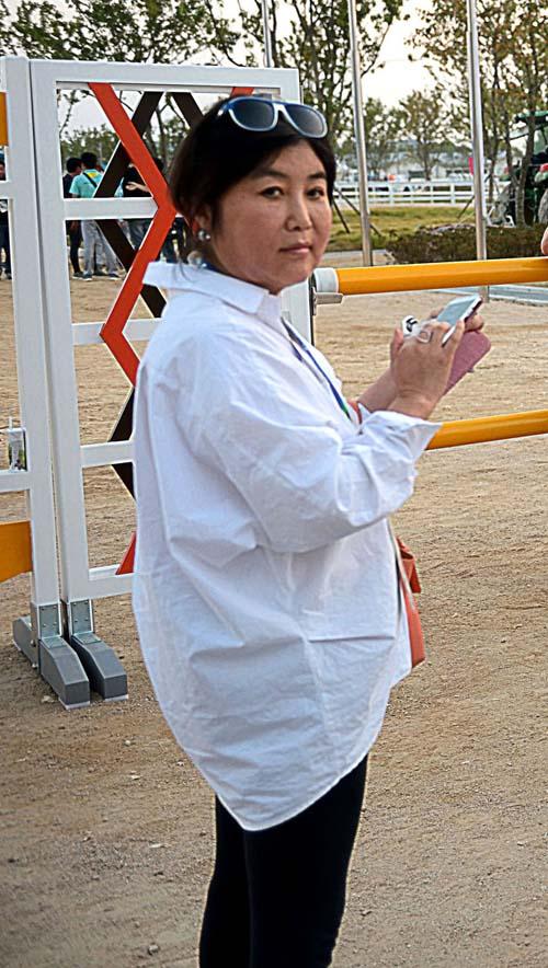 """""""Người chị em"""" bí ẩn điều khiển Tổng thống Hàn Quốc - 4"""