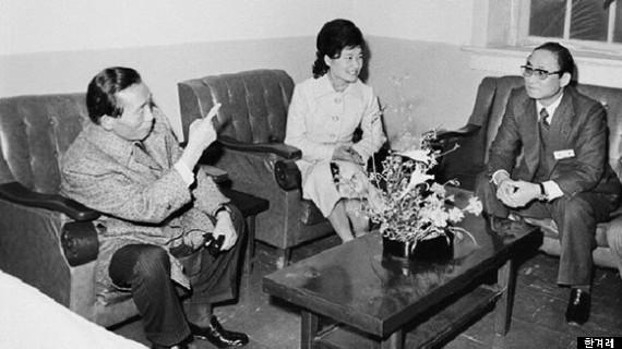 """""""Người chị em"""" bí ẩn điều khiển Tổng thống Hàn Quốc - 3"""