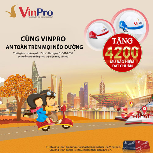 Vinpro tặng 4.200 mũ bảo hiểm cho chủ thẻ Vingroup Card - 1