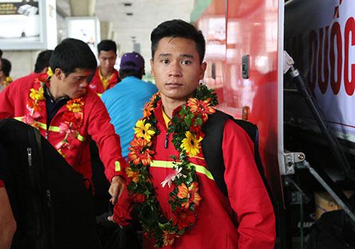 """U19 Việt Nam với kỳ tích World Cup """"đại náo"""" Tân Sơn Nhất - 10"""