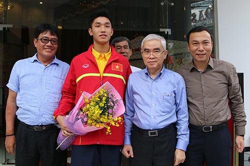 """U19 Việt Nam với kỳ tích World Cup """"đại náo"""" Tân Sơn Nhất - 14"""