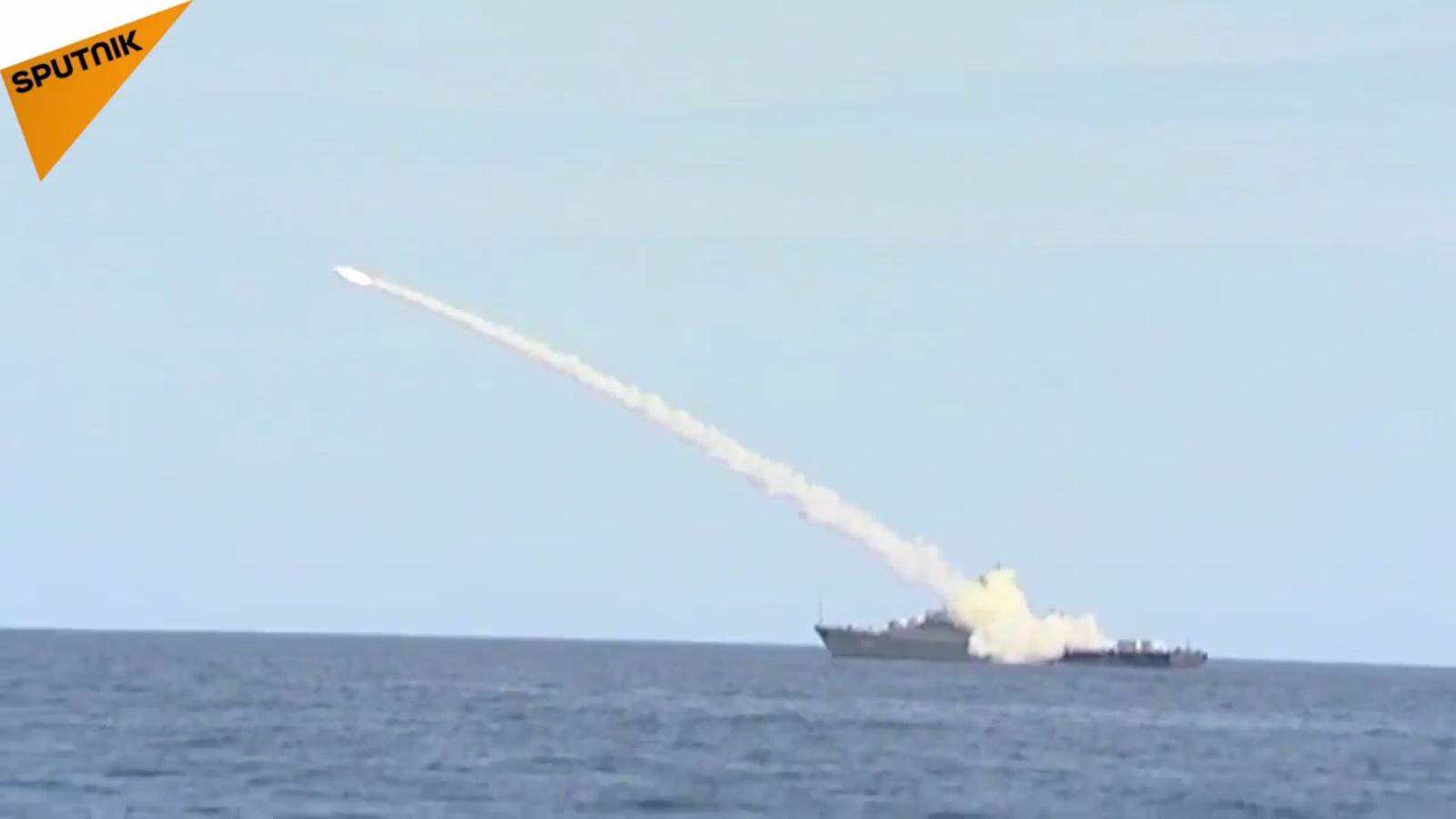 Video Hải quân Nga khoe sức mạnh nhân 320 năm thành lập - 1
