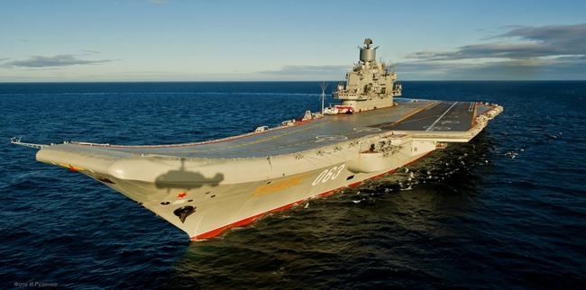 Video Hải quân Nga khoe sức mạnh nhân 320 năm thành lập - 2