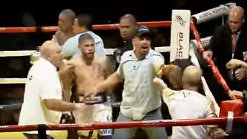 Boxing: Knock-out trò, cáu tiết tẩn luôn thầy - 4