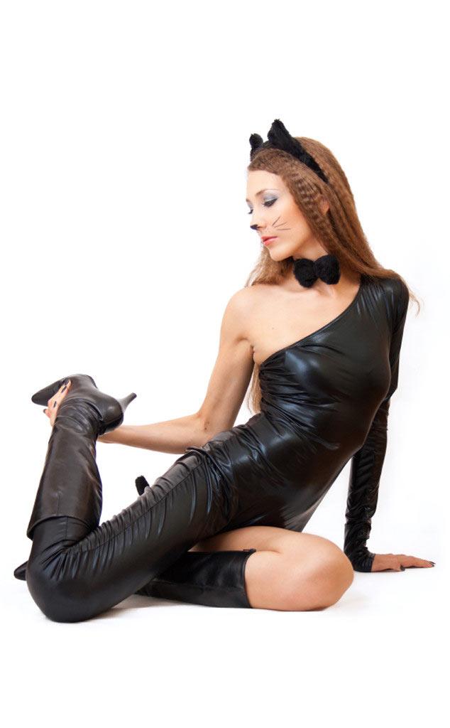 Những cô nàng sexy mặc gì trong đêm Halloween? - 12