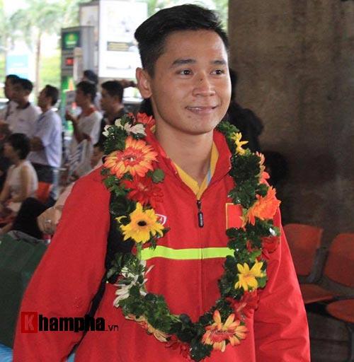 SAO U19 Việt Nam kể chuyện ăn mì tôm, tiêu tiền thưởng lớn - 4