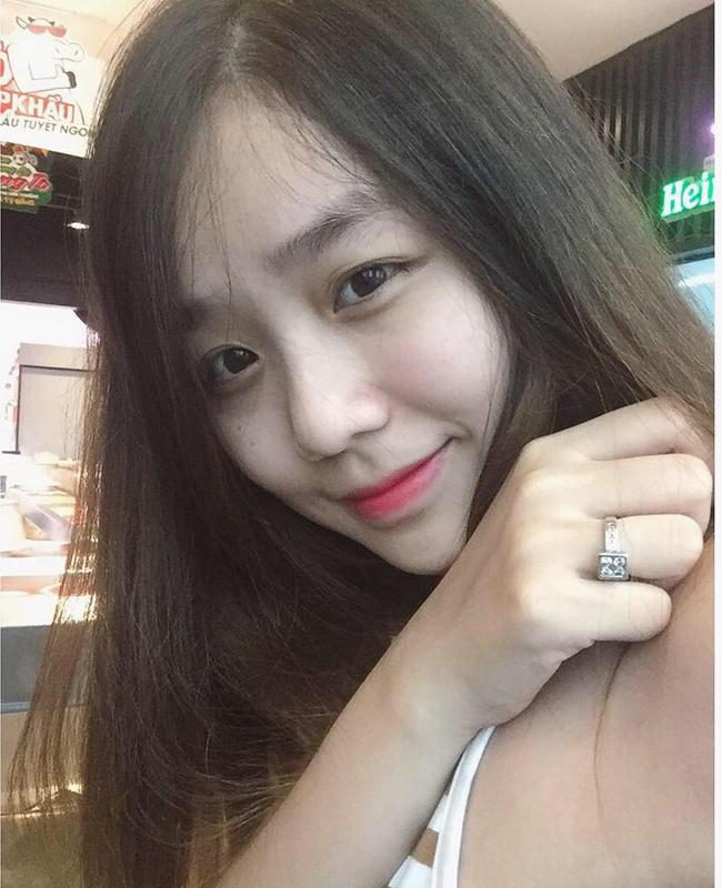 Ngay sau khi công khai mối quan hệ tình cảm với Bảo Ngọc, nhiều fan đã gửi lời chúc mừng đến Hoài Lâm và bạn gái.