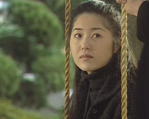 """Cuộc sống xa hoa của 7 mỹ nhân Hàn """"hot"""" nhất thập niên 90 - 7"""