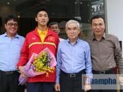 Bóng đá - SAO U19 Việt Nam kể chuyện ăn mì tôm, tiêu tiền thưởng lớn