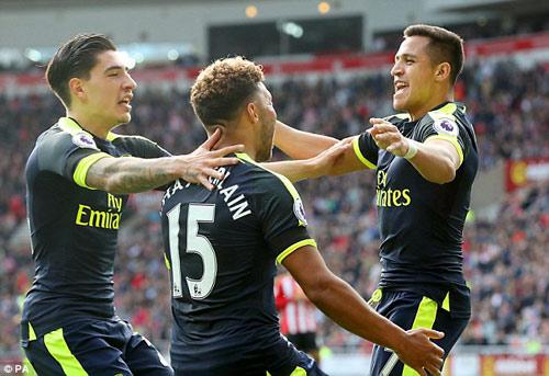 """Arsenal: """"Tháng 11 ác mộng"""" hay giấc mộng bá vương - 2"""