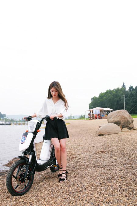 """Xe đạp điện trang bị phanh đĩa cao cấp """"hút hồn"""" giới trẻ Việt - 2"""