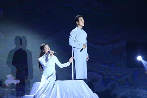 Minh Tuyết nhận Noo Phước Thịnh làm em nuôi trên truyền hình - 1