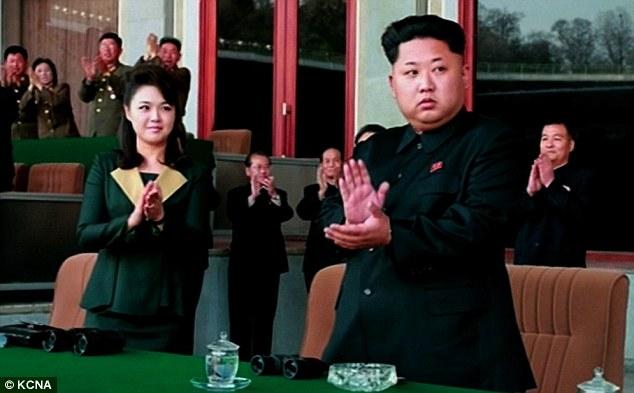 Vợ Kim Jong-un vắng mặt 7 tháng vì mâu thuẫn gia đình? - 2