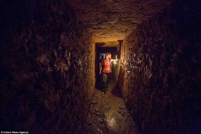 Xuống sâu 150m thám hiểm hầm mộ lớn nhất thế giới ở Pháp - 5