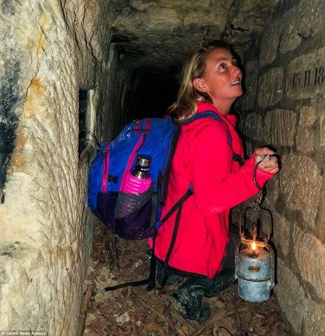 Xuống sâu 150m thám hiểm hầm mộ lớn nhất thế giới ở Pháp - 6