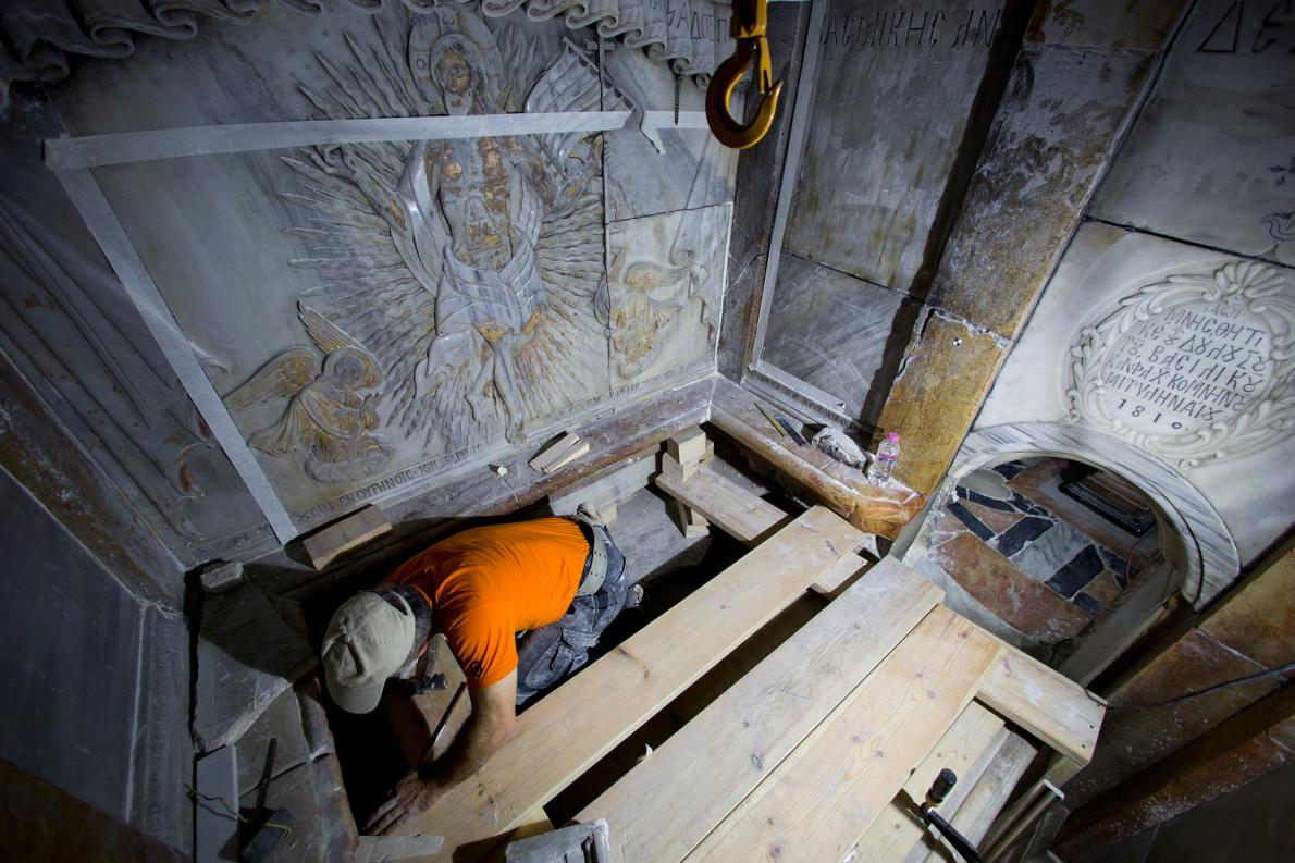 Phát hiện bất ngờ bên trong mộ Chúa Jesus - 3