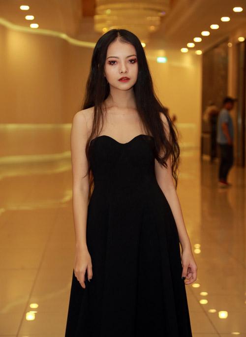 Trương Ngọc Ánh gợi cảm làm bà hoàng trong đêm tiệc - 10