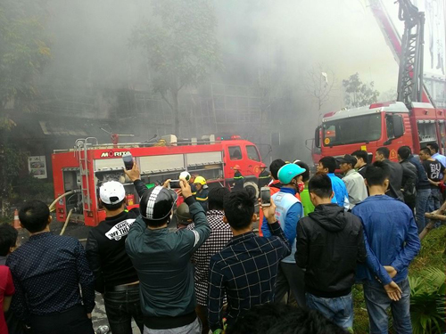 HN: Cháy dữ dội ở quán karaoke trên đường Trần Thái Tông - 14