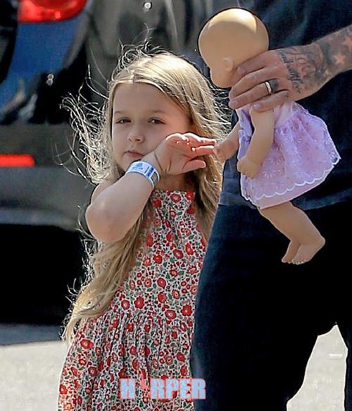 """""""Cô gái"""" khiến Beckham bỏ sự nghiệp ngày càng xinh yêu - 4"""
