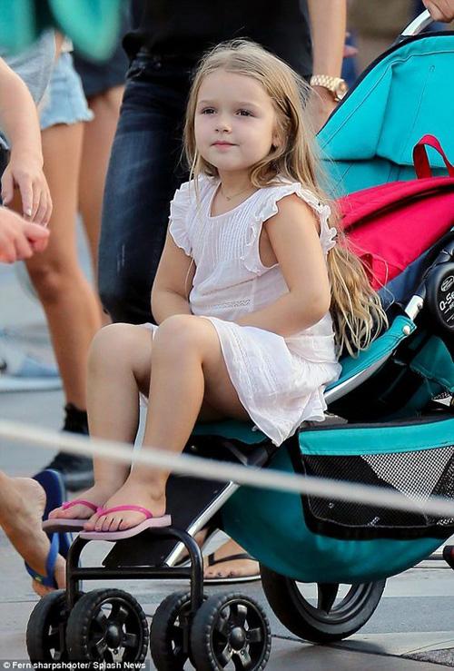 """""""Cô gái"""" khiến Beckham bỏ sự nghiệp ngày càng xinh yêu - 8"""